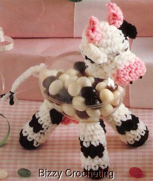 НЕ просите схем, их нет.  Но в блоге собрано много подробных мастер-классов по вязанию игрушек-зверюшек.