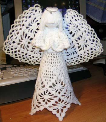Нашла на Лиру пост о вязанных ангелах.  Спасибо большое. за пост. автору.