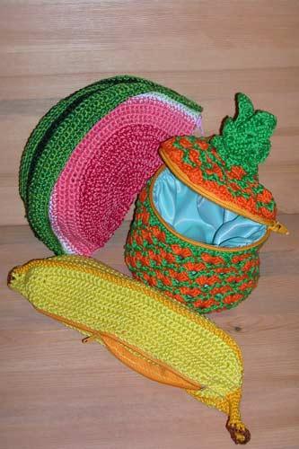 Вязание кепок и беретов на спицах и крючком.