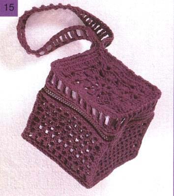 схемы и описания вязанных крючком модных сумок.