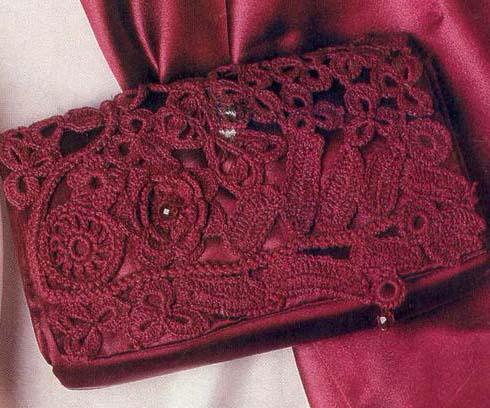вязанный клатч крючком серо-розовый.